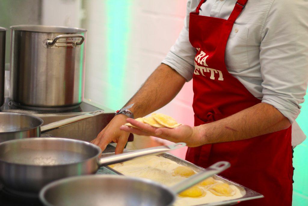 David cooking raviolo